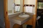 Aparte wastafel en aparte badkamer