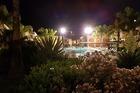 Zwembad Gordial Green Golf bij nacht