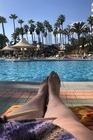 Heerlijk luieren aan het zwembad