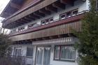 1e verdieping rechtse 2 ramen is 5a/b