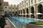 Zwembad op het dakterras
