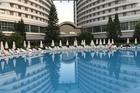 Mooi resort met een mooi zwembad.