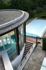 Binnen en buiten zwembad