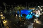 zwembad en bar