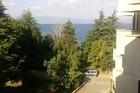 achterkant van hotel uitzicht op het meer