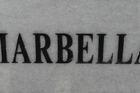 De tegel van de stad Marbella .