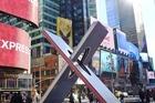 Time Square altijd levendig met de levensgrote reclameborden